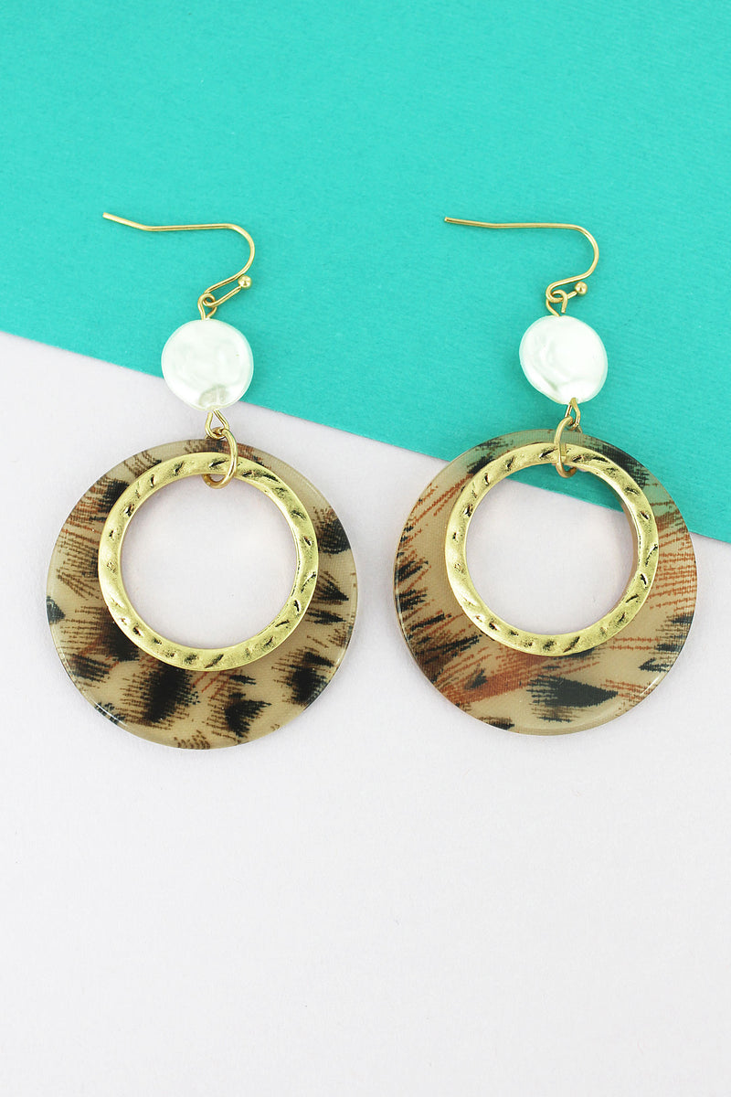 Coin Pearl and Cut-Out Leopard Disk Earrings