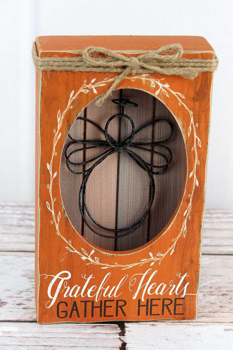 7.75 x 4.5 'Grateful Hearts Gather Here' Wood with Wire Angel Shadowbox