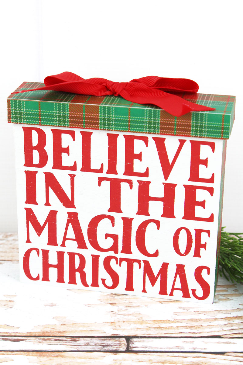 6 x 6.25 'Believe In The Magic' Wood Christmas Gift Sign
