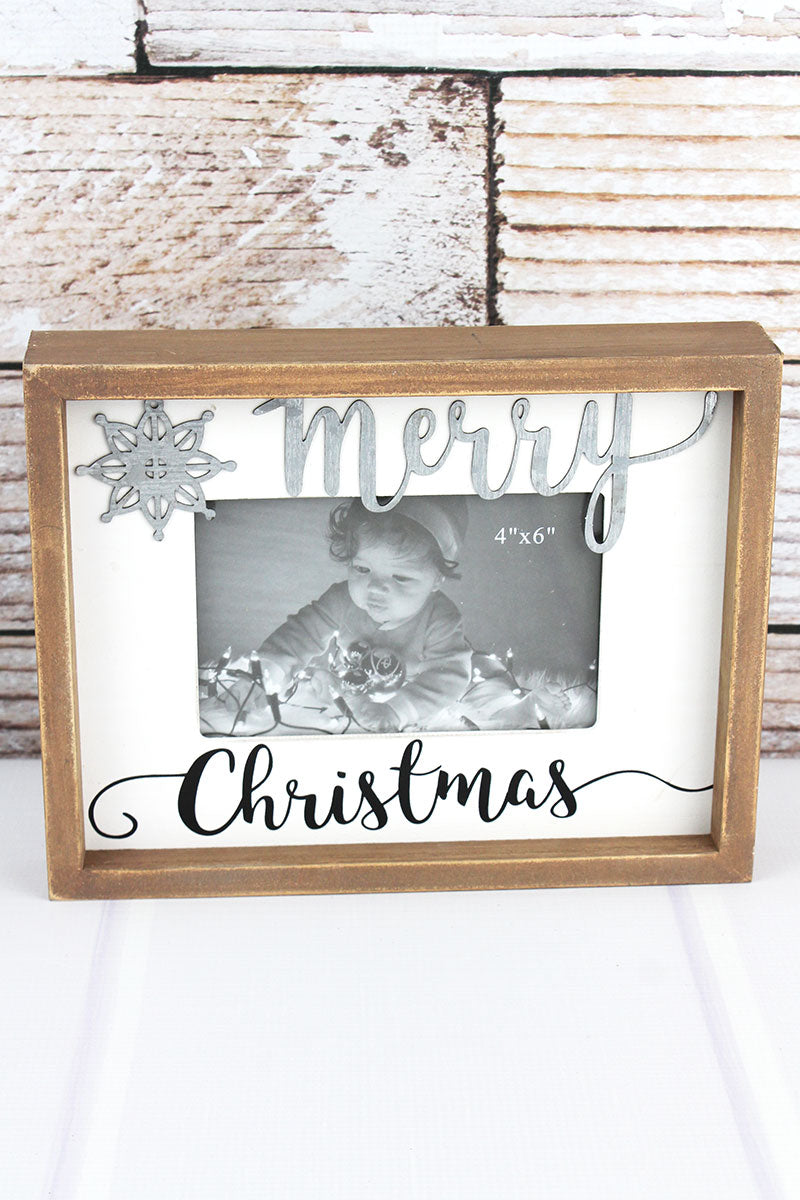 7.75 x 9.75 'Merry Christmas' 4x6 Photo Frame