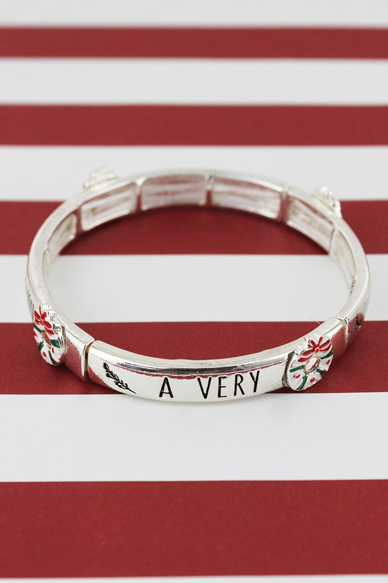 Silvertone 'Very Merry Christmas' Wreath Bracelet