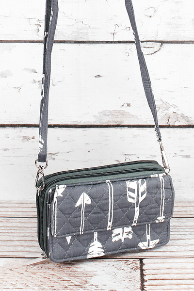 NGIL Straight & Arrow Gray Quilted Crossbody Organizer Clutch