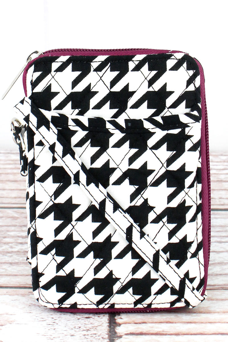 SALE! NGIL Houndstooth with Burgundy Trim Quilted Wristlet