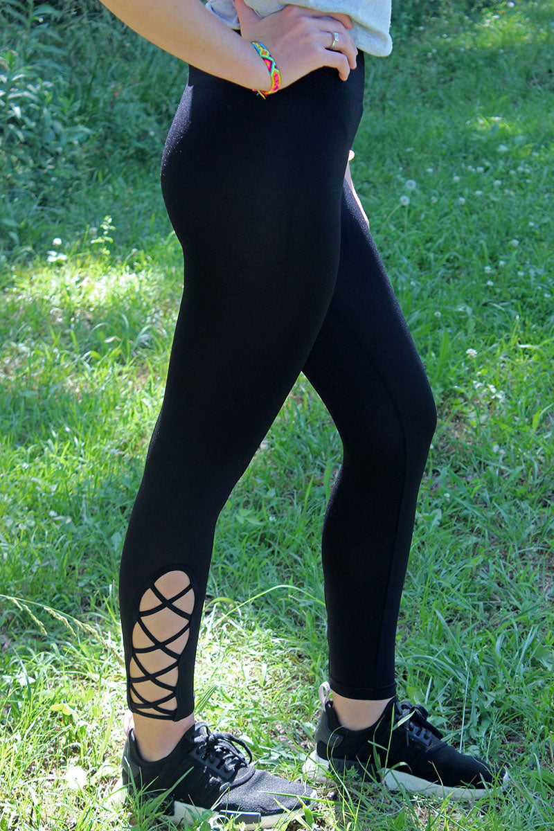 Black Lattice High-Waist Capri Leggings