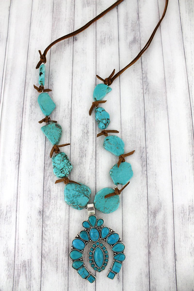 Turquoise Naja with Oval Charm Chunky Stone Necklace
