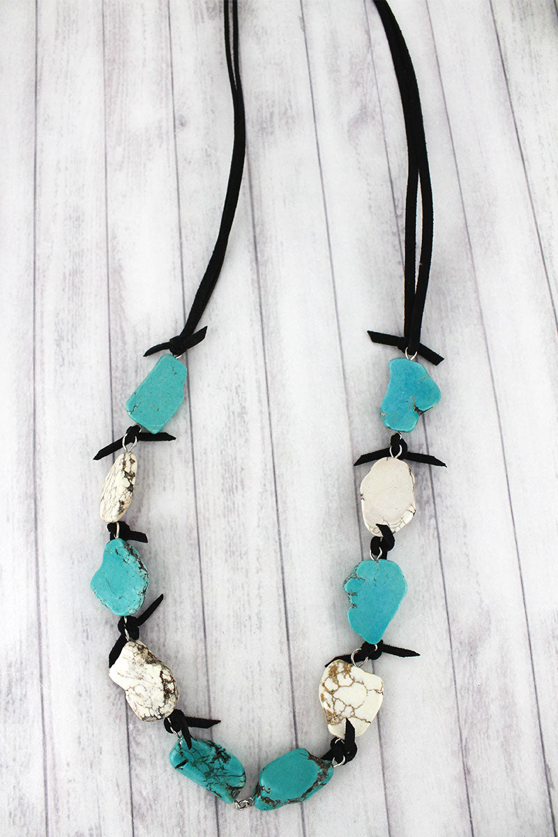 White & Turquoise Naja with Oval Charm Chunky Stone Necklace