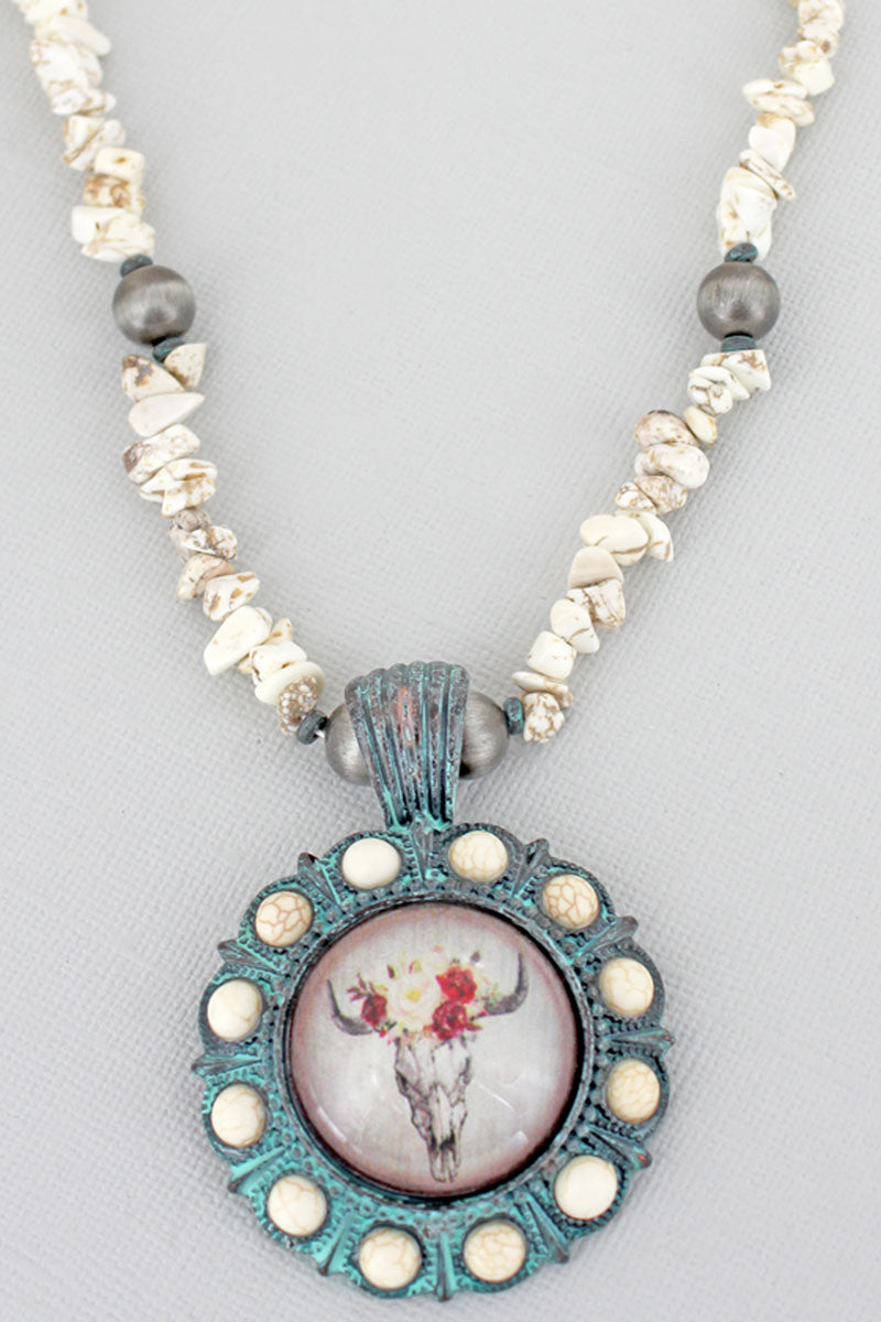 Floral Steer Bubble Concho White Chip Bead Necklace