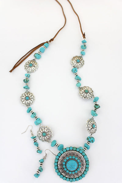 Turquoise Beaded Silvertone Concho Chip Stone Necklace and Earring Set
