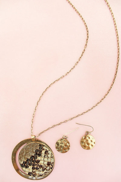Burnished Goldtone and Snakeskin Disk Necklace and Earrings Set