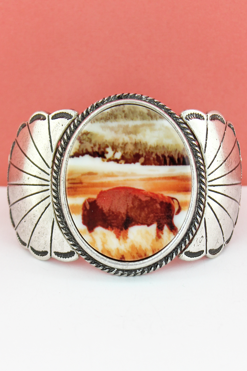 Great Plains Buffalo Silvertone Scalloped Stretch Bracelet