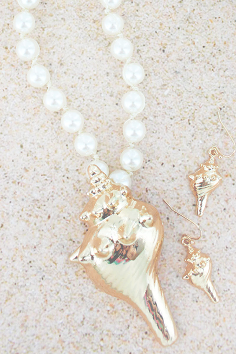Goldtone Conch Shell Pendant Pearl Necklace and Earring Set