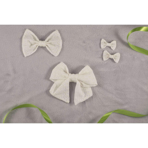 Daisy White Eyelet Classic Bow - Periwillow