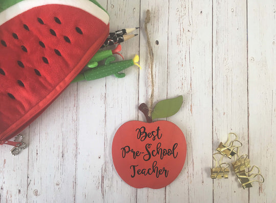 Wooden Hanging Apple - Best Pre-School Teacher DD625