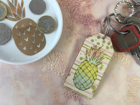 Wooden Keyring - Pineapple Gold & Pink background - DD660