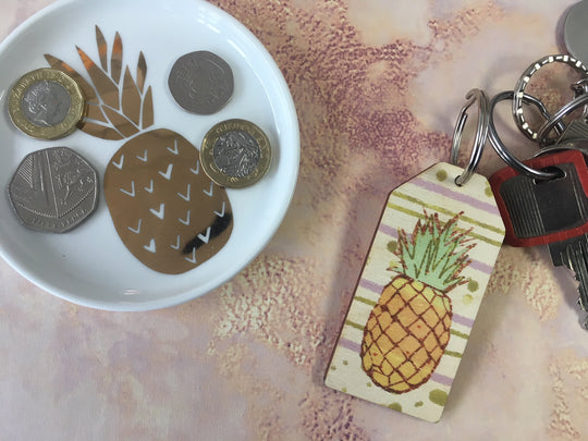Wooden Keyring - Pineapple Gold & Purple background - DD661