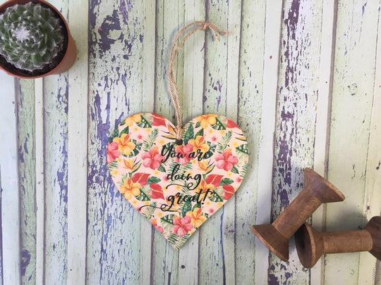 Wooden Hanging Heart Tropical - Doing Great DD395