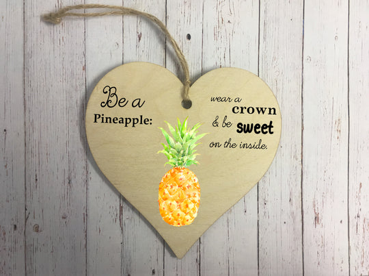 Wooden Hanging Heart - Pineapple DD241