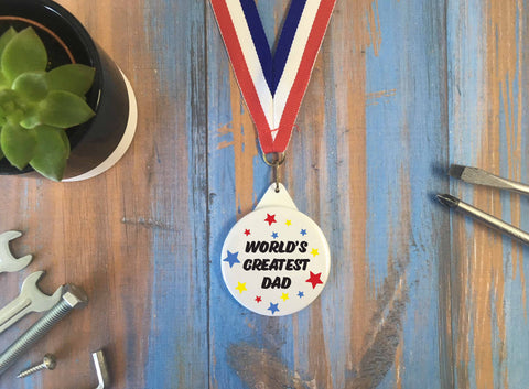 World's Greatest Dad / Medal Lanyard Small Gift Badge Keyring / Father's Day Gift Present / Daddy Father Dad Stepdad Papa / DD638