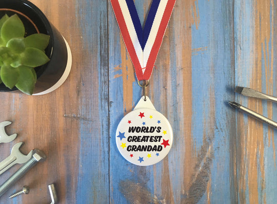 World's Greatest Grandad Medal/ Badge Magnet Keyring Bottle Opener Mirror / Father's Day Christmas Birthday Gift Present /Grandparent DD1272
