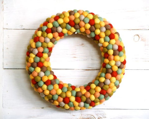holiday crafts - felt ball wreath