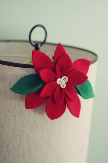 holiday crafts - felt poinsettia
