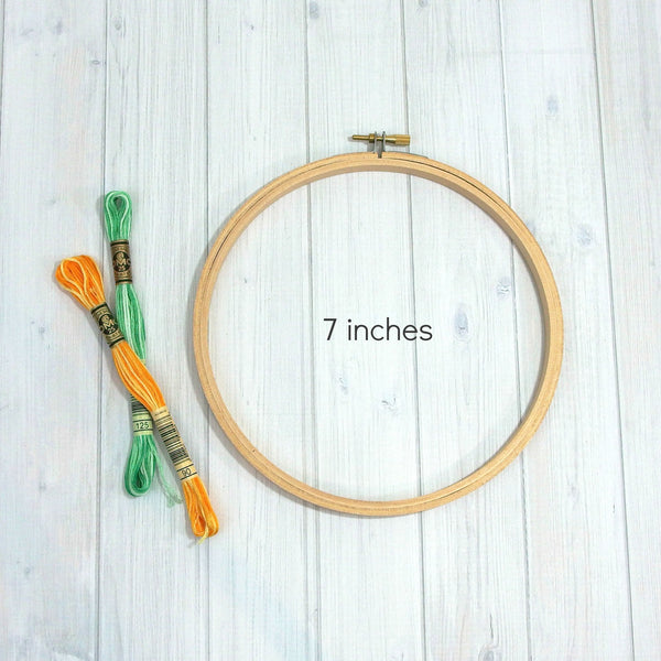 Wood Embroidery Hoop, Basic, 6 sizes - Busy Little Bird