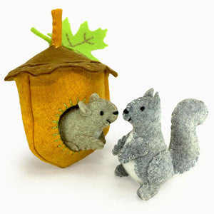 Felt squirrels diy sewing kit