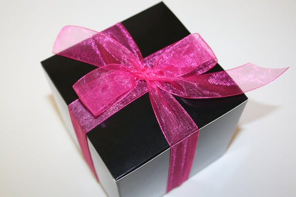 valentine's day cookie gift box with pink bow