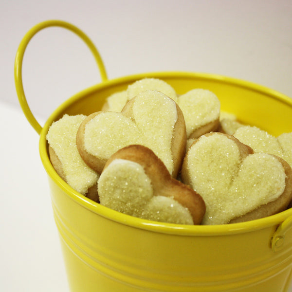 HEART SHAPED SUGAR COOKIE LOVE BUCKET – YELLOW (MEDIUM)