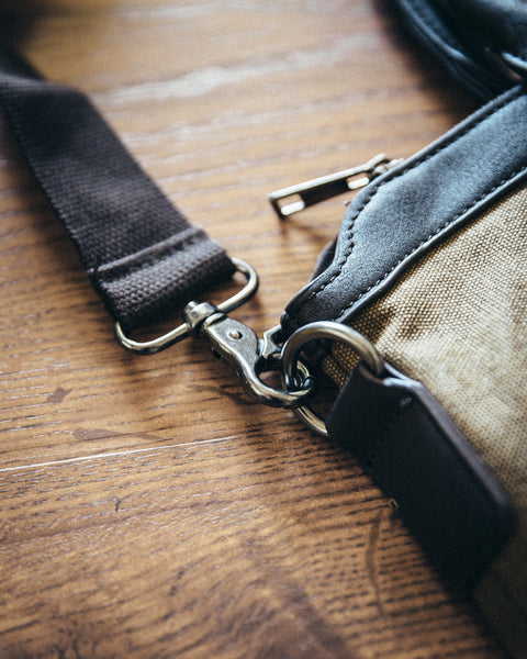 The Canvas Messenger Bag - Shop Stay Classic - 5