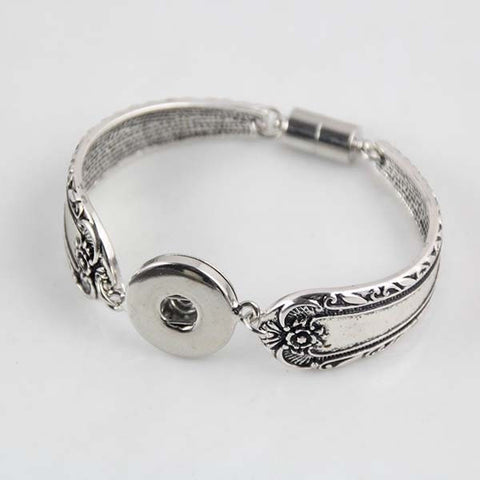 Beautiful Antique Spoon Design Snap Bracelet