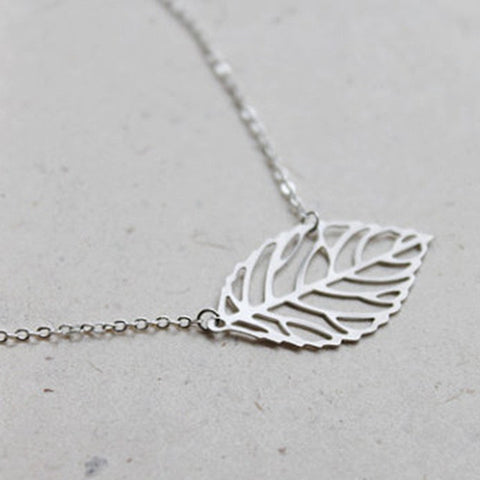 "Simple Hollow  Leaf Choker Necklace with 16"" Silver Chain"