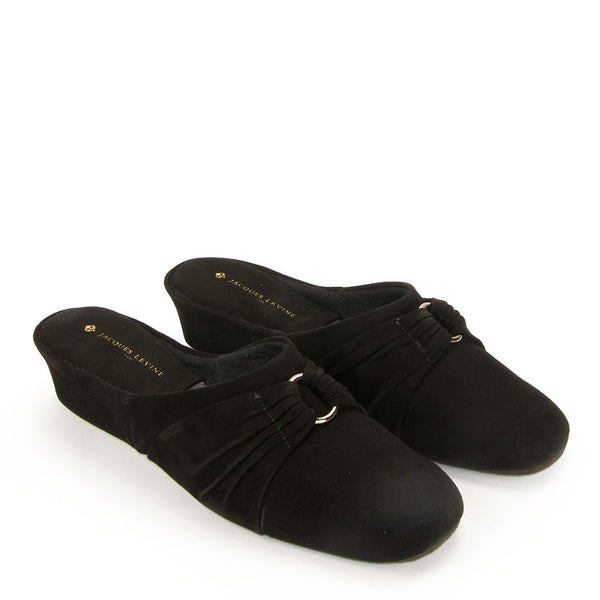 Jacques Levine PLISE Slippers in Black