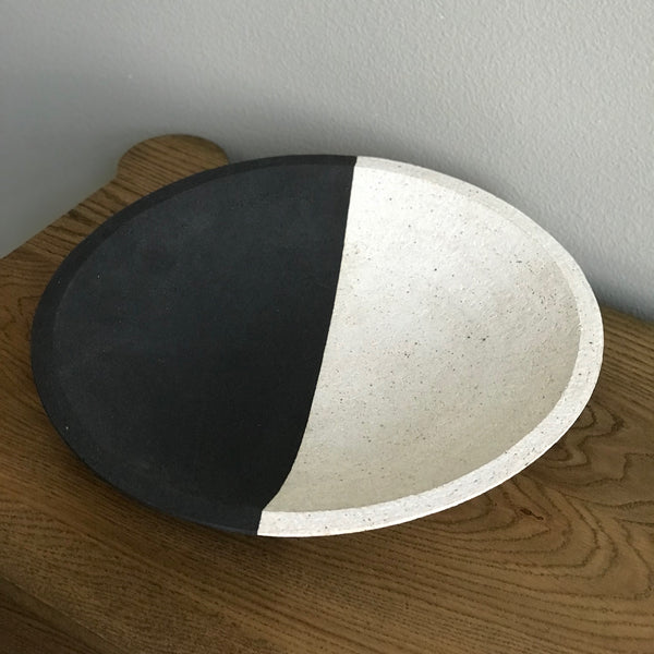 BLACK & WHITE BOWL