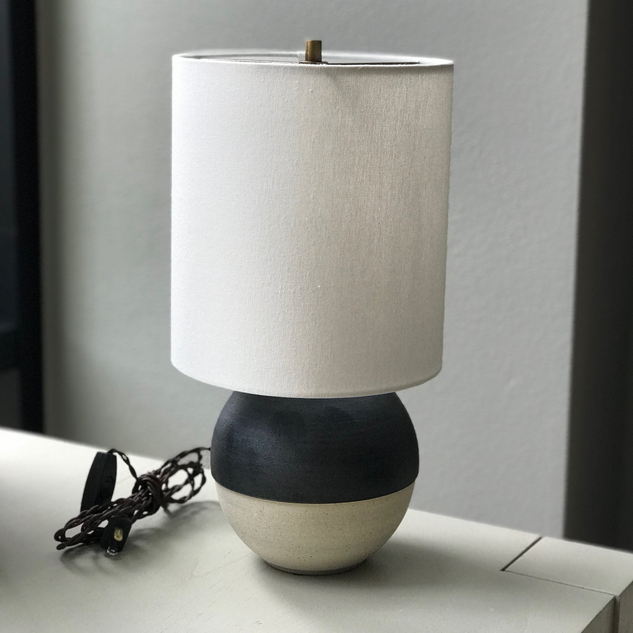 BLACK & WHITE MINI LAMP