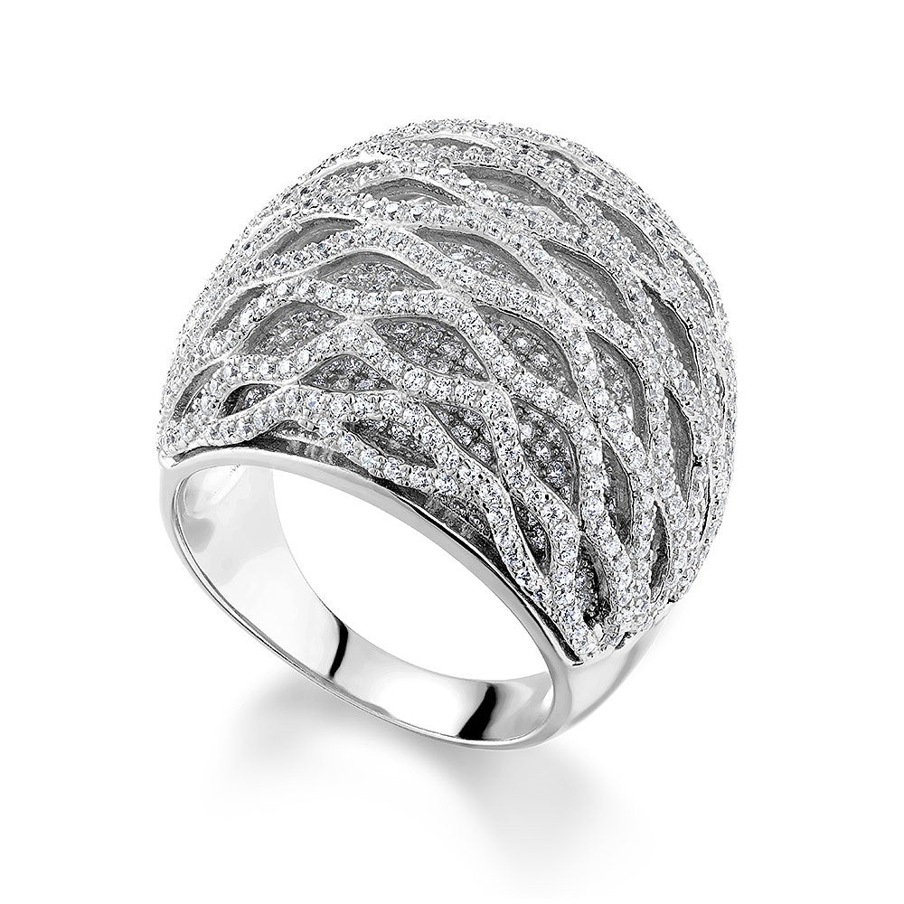 Dôme ring in Sterling Silver set with Cz.