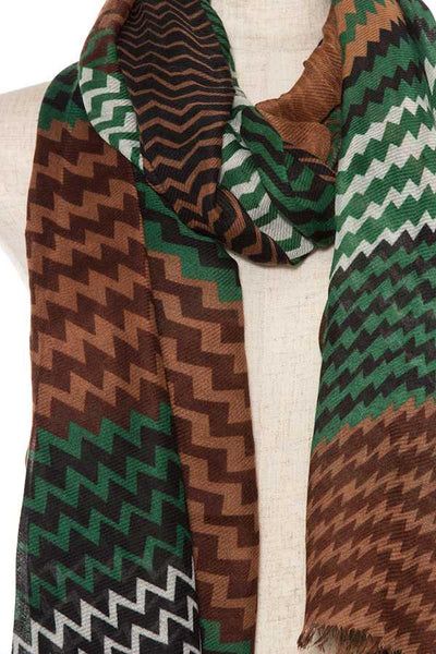 Zigzag pattern fringe end oblong scarf