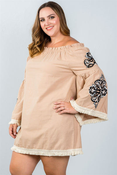 Ladies fashion plus size boho floral embroidered off-shoulder dress