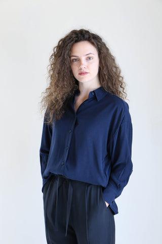 7115 By Szeki Dolman Shirt in Navy