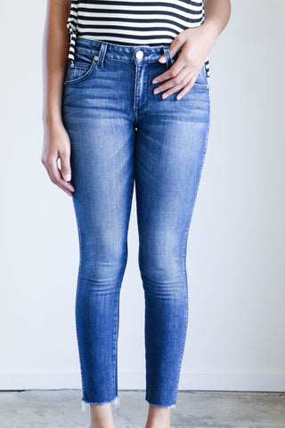 Amo Denim Stix Crop Jeans in Sweetheart