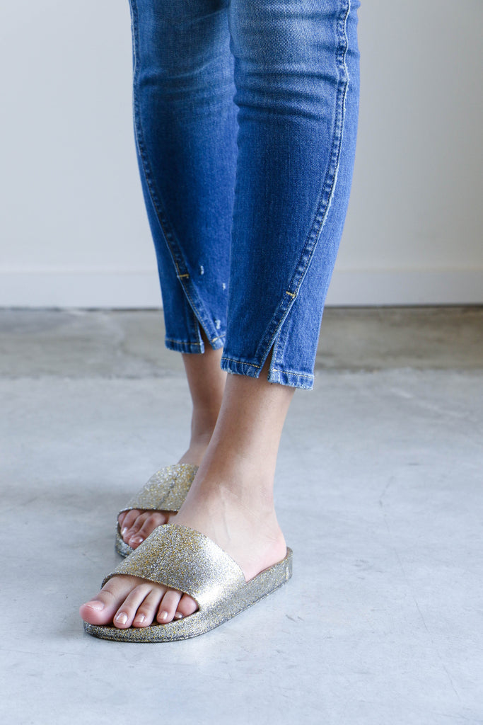 Amo Denim Twist Jeans in Montauk