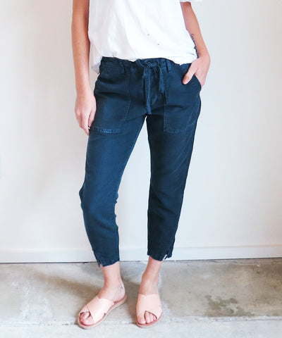 Amo Twist Drawstring Pants in Navy
