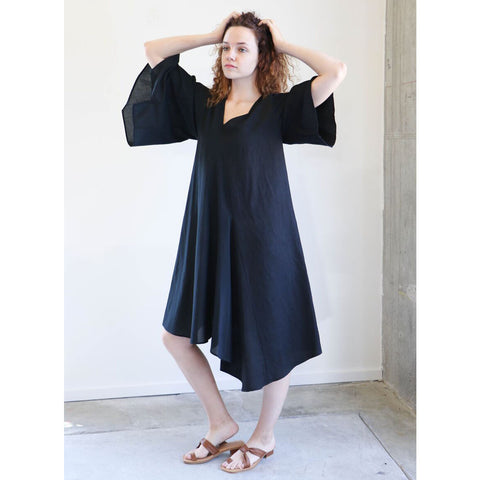 Correll Correll Simple Shape Dress in Black