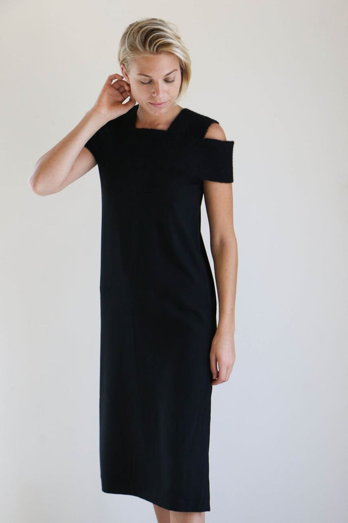 Correll Correll Two Two Knit Collar Dress in Black