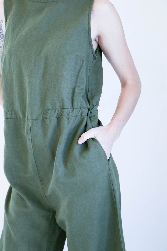 Esby Allison Cropped Jumper in Olive