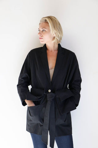 House Dress Marketta Carry All Blazer in Black