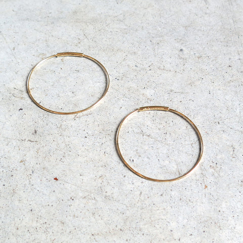 Kathleen Whitaker Small Hoop Earring 14k Yellow Gold