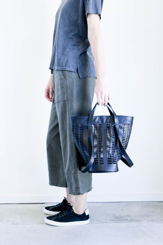 Modern Weaving Infinity Handle Basket Tote in Black