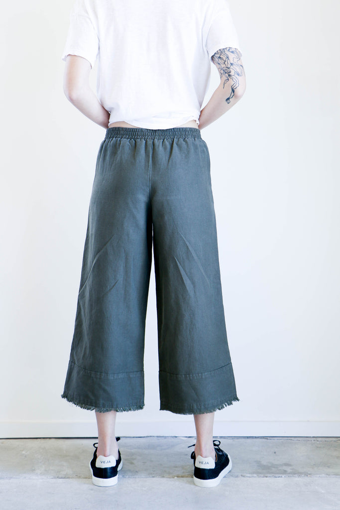 Pharaoh Cropped Culotte in Military