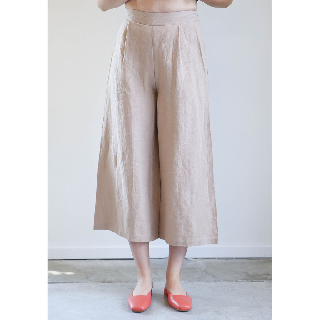 7115 By Szeki Cropped Wide-Legged Spring Trouser in Clay